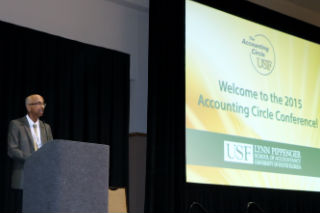 Uday Murthy speaking at the Accounting Circle Conference