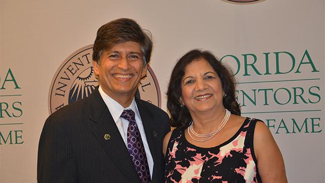 Picture of USF professor Yogi Goswami with wife Lovely Goswami.