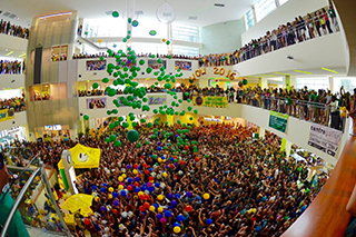The balloon drop at Marshall Student Center during the Week of Welcome Kickoff celebration.