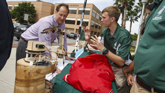 State leaders visit with USF students