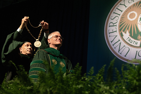 USF's 7th president, Stephen C. Currall, is inaugurated.