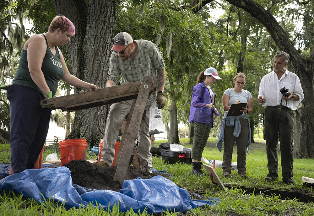 USF research team excavating historic site in Safety Harbor