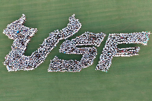 'USF' spelled out with the incoming Freshman class