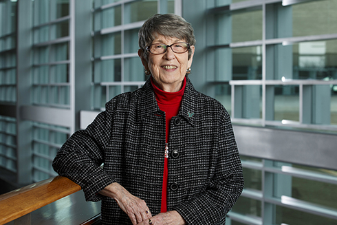 USF alumna and longtime donor, Lynn Pippenger