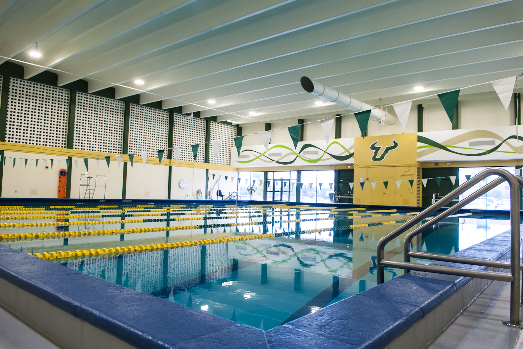 USF Campus Recreation Indoor Pool