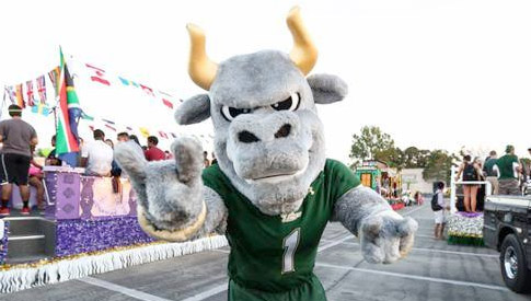 Rocky the Bull at the 2014 Homecoming Parade
