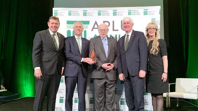 USF Named Top Winner of APLU's 2019 Institutional Award for Global Learning, Research & Engagement