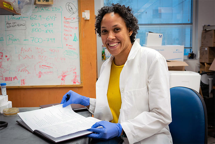 Meet Karyna Rosario, PhD, who graduated from USF in 2010, and now works as a research scientist in the marine genomics lab run by Mya Breitbart, PhD.