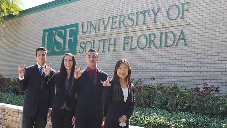 USF Oxford Students in Front of USF Sign